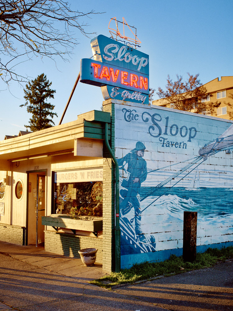 Seattle, The Sloop Tavern Yacht Club - Thomas Cook