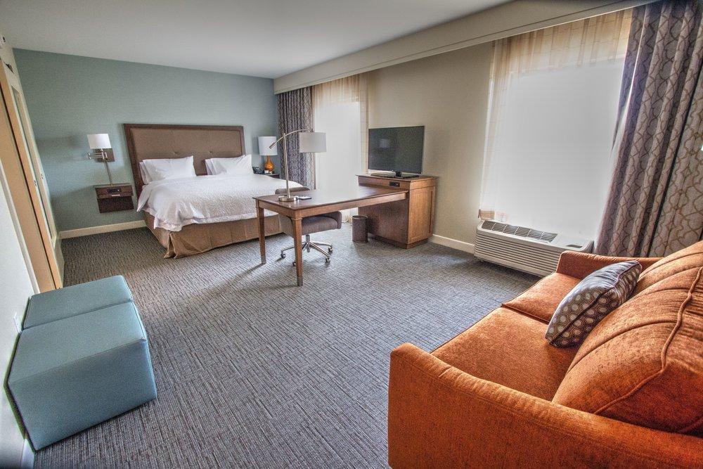Hampton Room.jpg