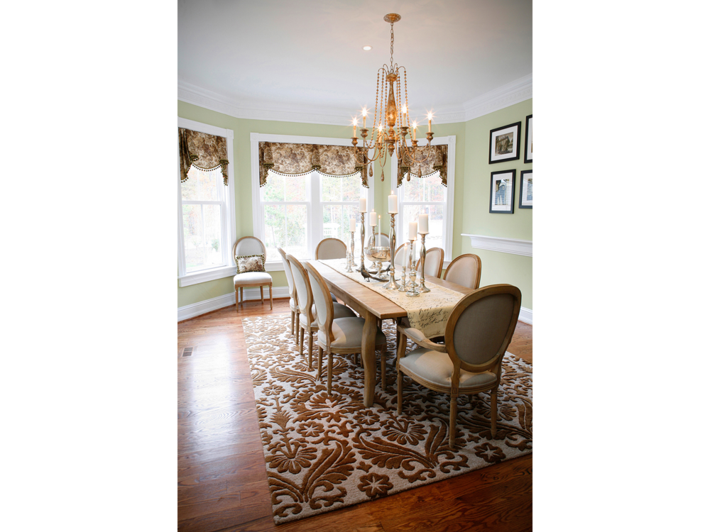 Dining room photograph for real estate home sales