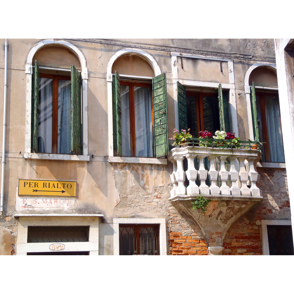 Architectural photography of Italian style building in Venice Italy by photographer Craig Anderson