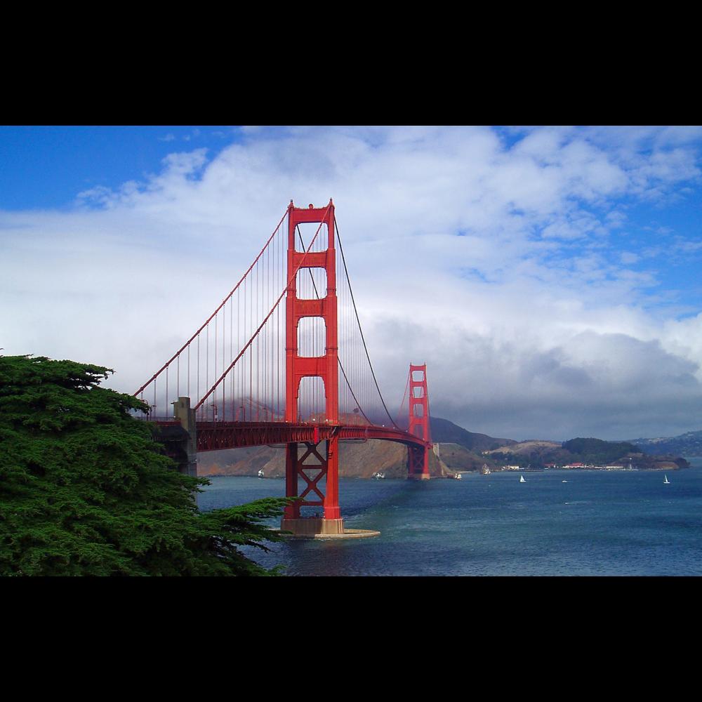 Golden Gate Bridge in San Francisco CA