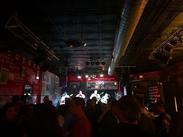 @antiqueoutlaws are starting us off right! @louiswaymore next, then we go on at 11:15! . . . . . #livemusic #ncmusic #northcarolina #localmusic #raleigh #northcarolina #realcountrymusic #americana #countrymusic #acoustic #gibsonguitar #christiane #christianeandthestrays #waitingwiththelightson #songwriting #songwriter #originalmusic #deepsouth #ncbeer #localbeer #saturdaynight #womeninmusic #letthegirlsplay #originalmusic #singer