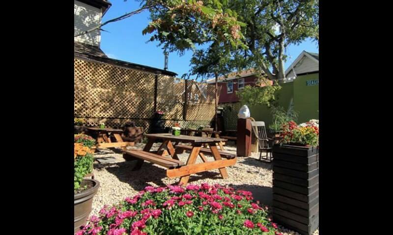 Sayra's Wine Bar & Bier Garden
