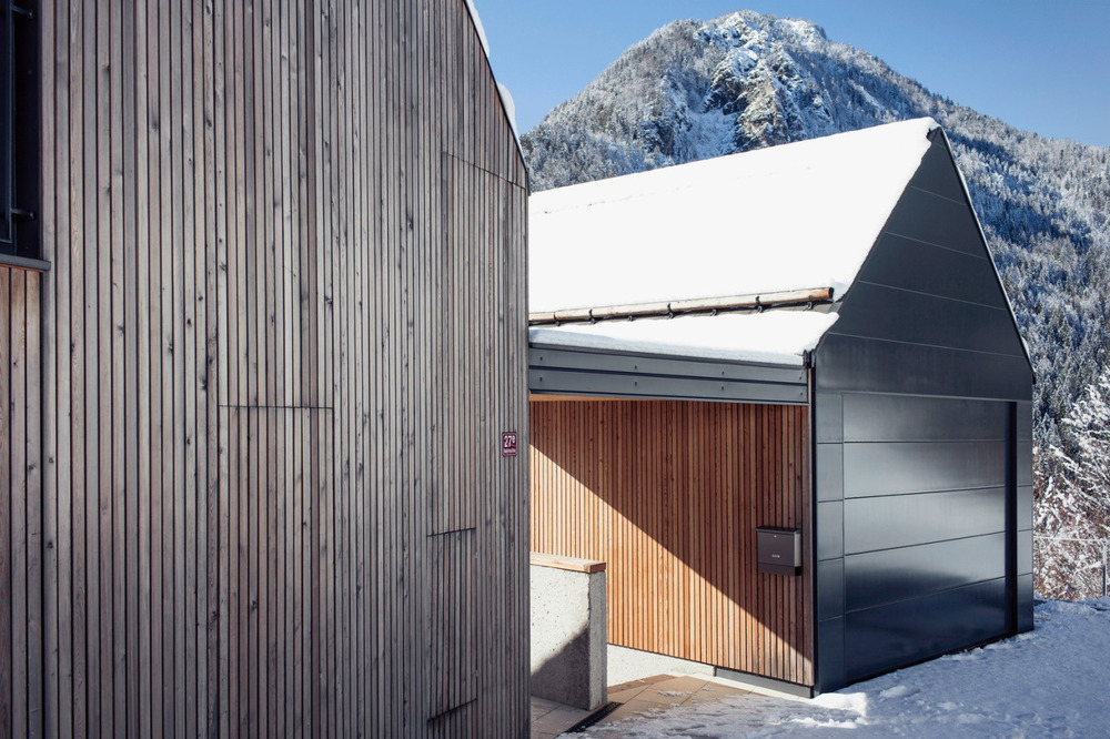 Vikend na Jasni  is a minimalist house located in Kranjska Gora, Slovenia, designed by  Prima .