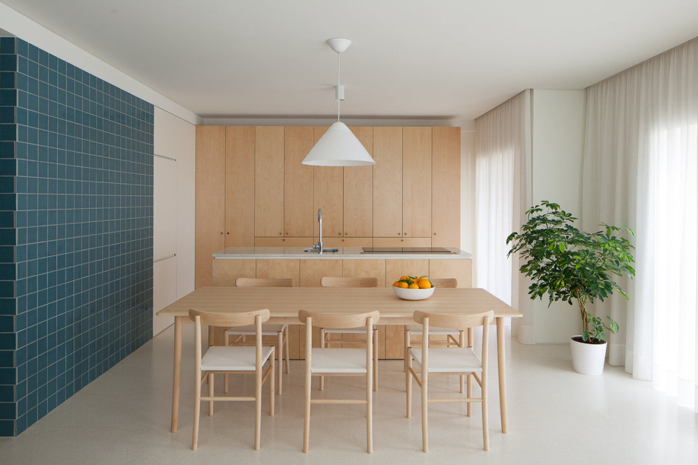 Forte Apartment is a minimalist residence located in Vila do Conde, Portugal.