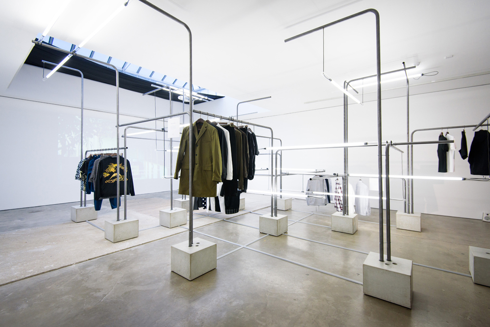 Mr Porter x Beams is a minimalist space located in London, England.