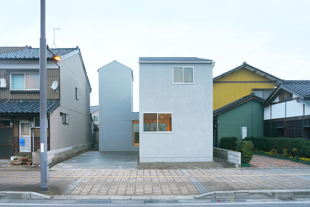 House in Hinode is a minimalist house in Tokyo, Japan.