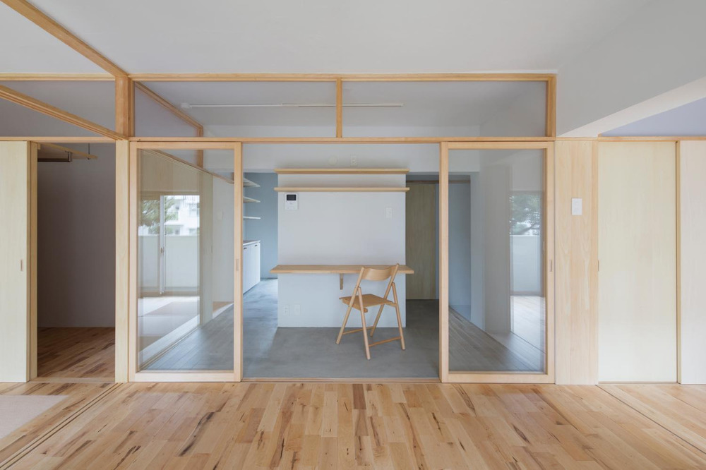 House in Natsumidai  is a minimalist space located in Chiba, Japan, designed by  Camp Design inc.