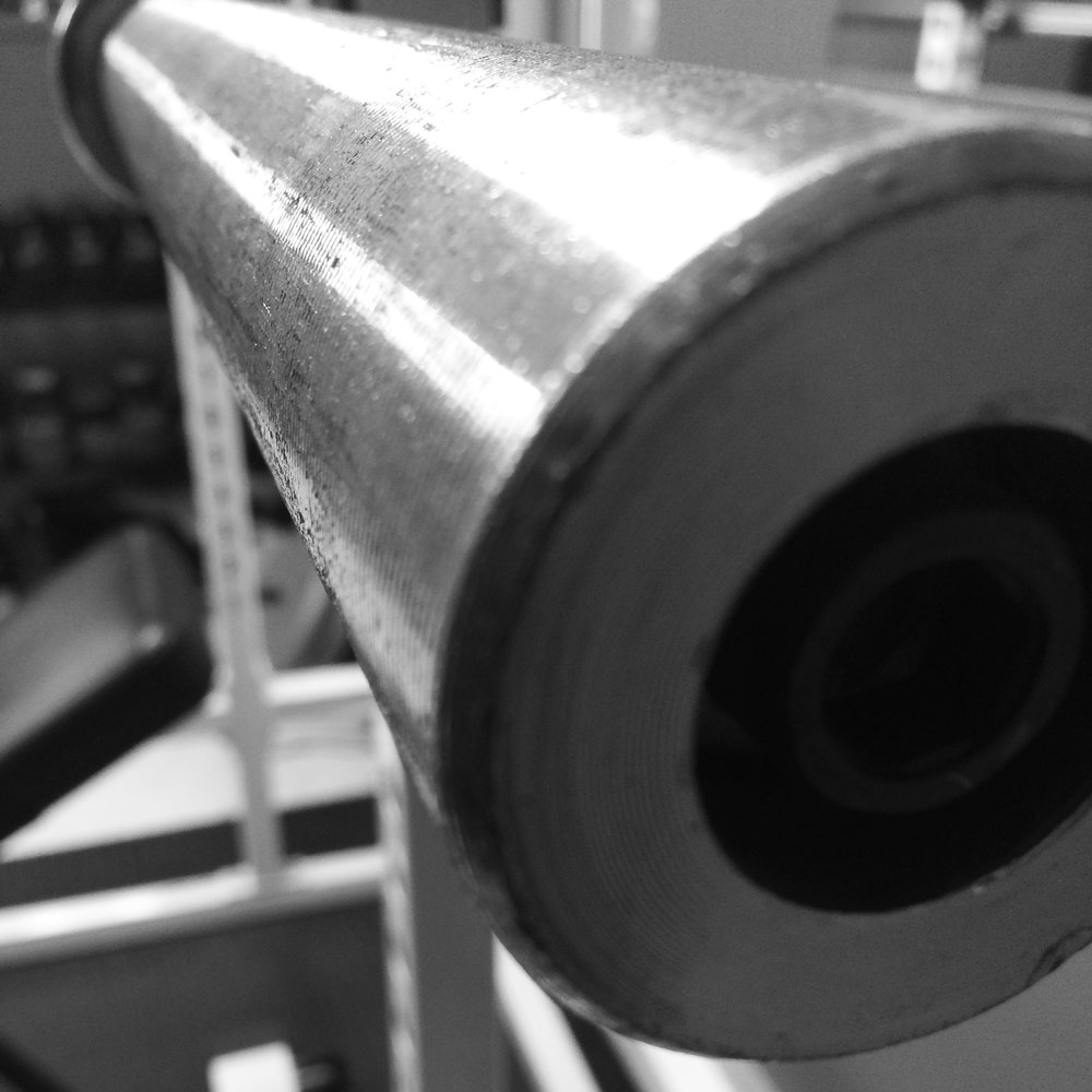 barbell black and white