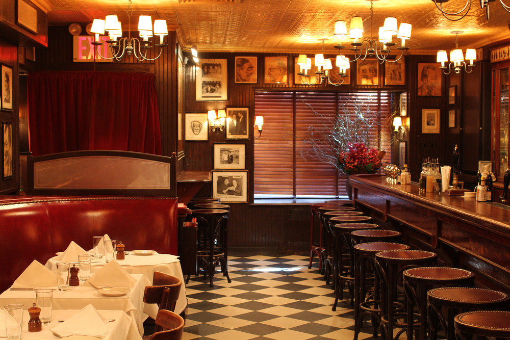 MinettaTavern_Café Banquettes & Bar_Harry McNally_41.jpg