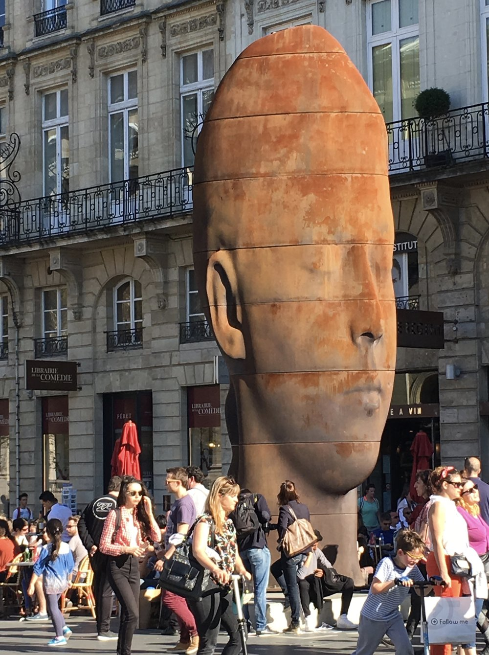 The city of Bordeaux is brimming with museums and art galleries but for those short on time and thin of wallet it also has an impressive array of street and public art to enjoy.