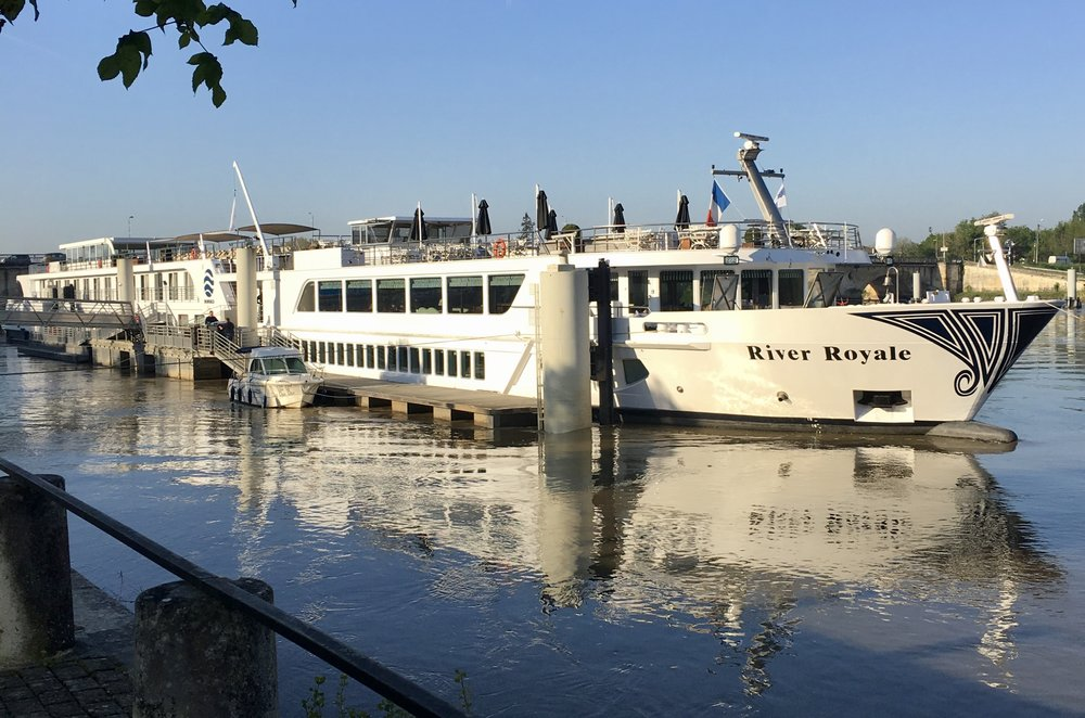 UNIWORLD CRUISE - BORDEAUX, VINEYARDS & CHATEAUX