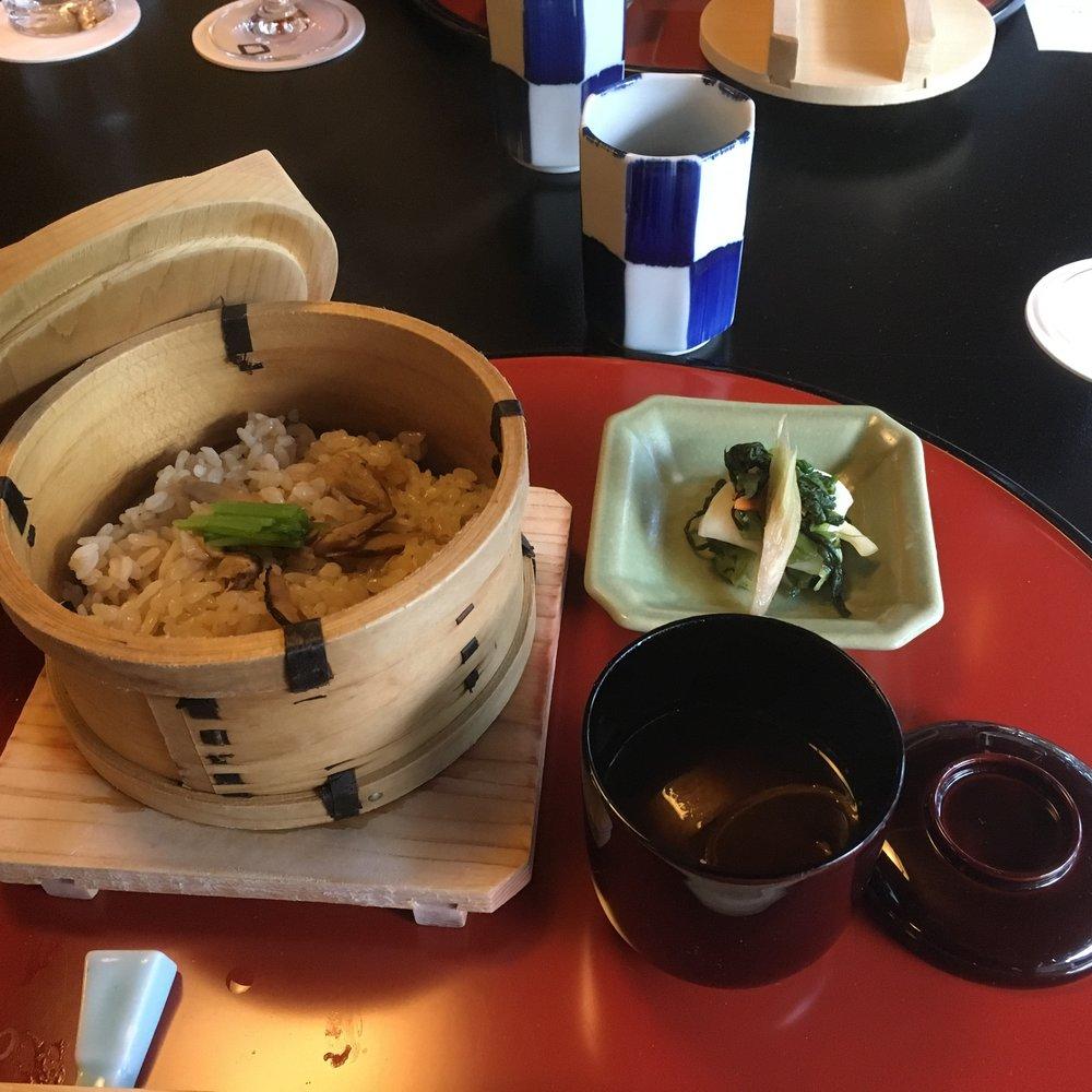 Steamed Matsutake mushroom rice