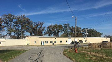Industrial Building with Office Space - 206 Sumitt Street, Wayne City, IL 62895
