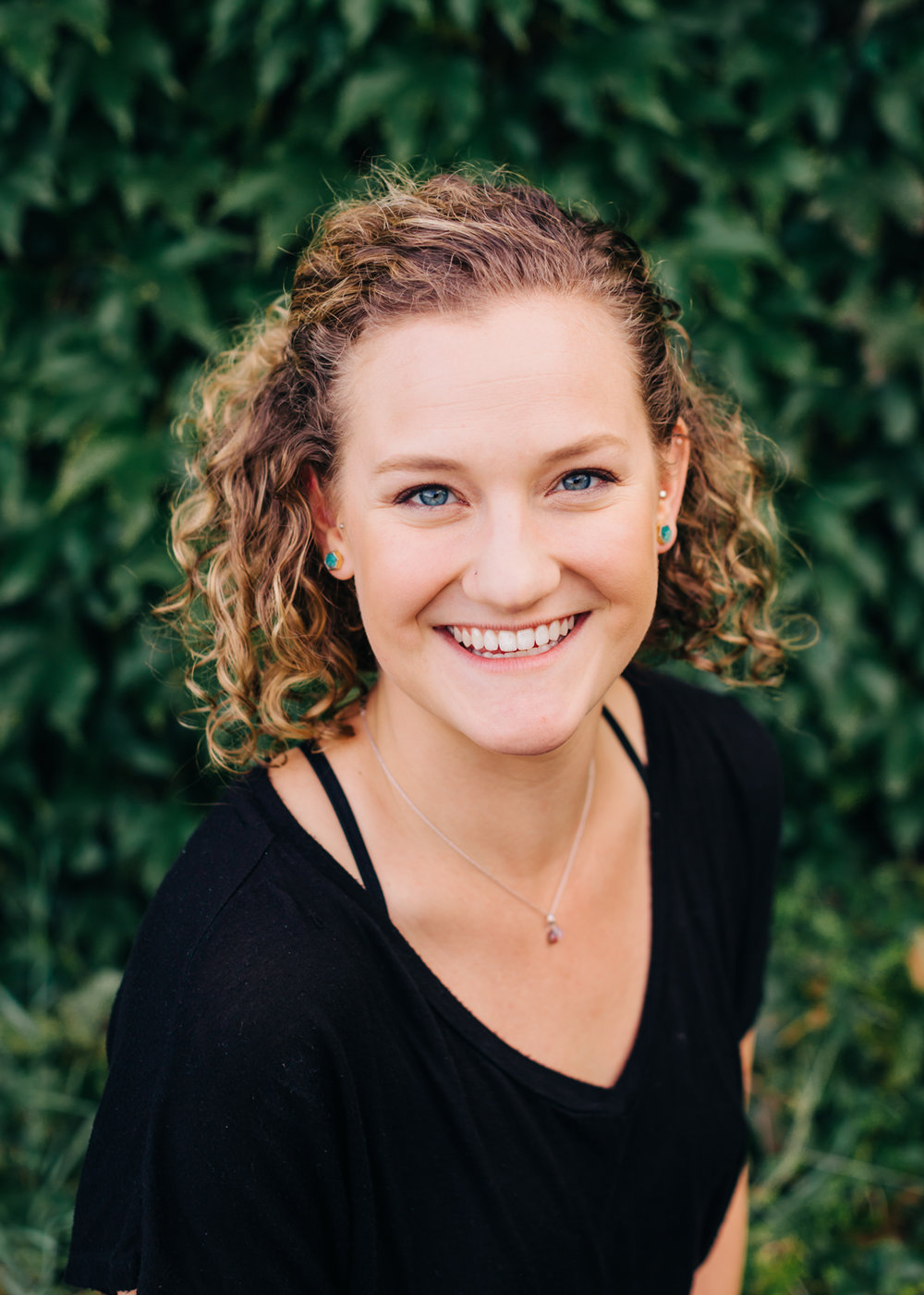 Torie Weprin, LMT torie@gorgeplayworks.com Torie Weprin graduated from Western State Colorado University in Gunnison, Colorado with a degree in Exercise and Sports Science. She then attended MountainHeart School of Bodywork in Crested Butte, Colorado where she received training in infant massage and became a certified massage therapist in 2014. She is now a licensed massage therapist in Oregon and has been practicing at Holistic Massage of Hood River for over a year now. As a former high school and NCAA top athlete, she is passionate about inspiring an interest in health and wellness in all ages. Torie will work with the PTs and OTs at Play Works to help include massage therapy into the personalized treatment plan for your child. She is also very excited to work with parents to help coach them through providing massage for their infants to promote healthy growth and development.