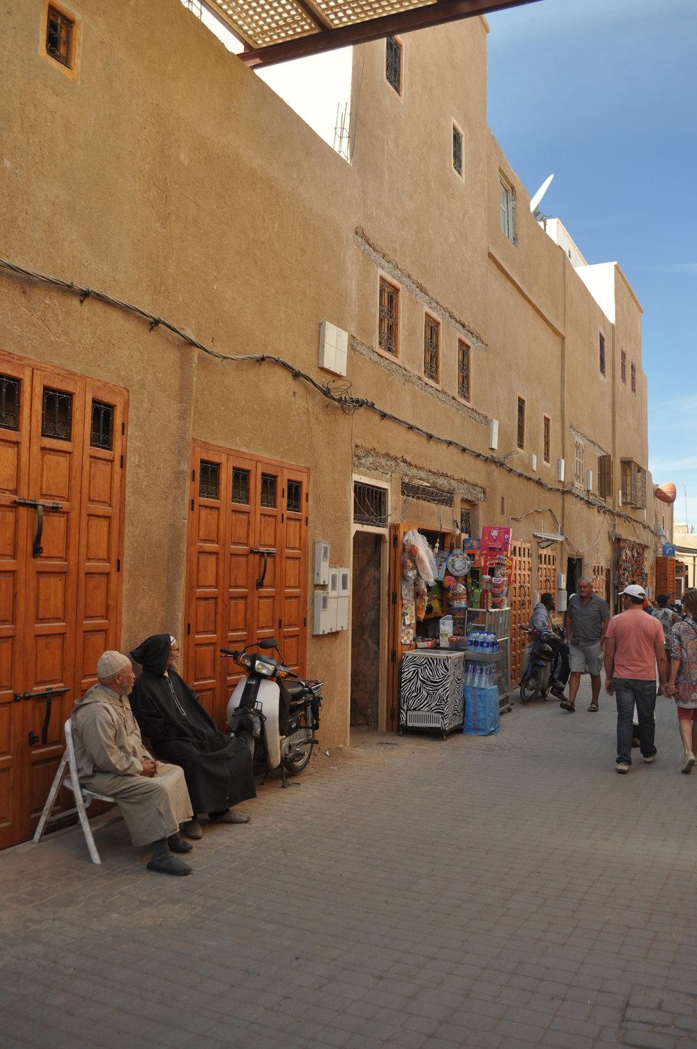 marrakech - street 2.JPG