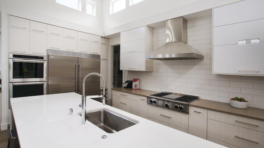 kitchen5_REV.jpg