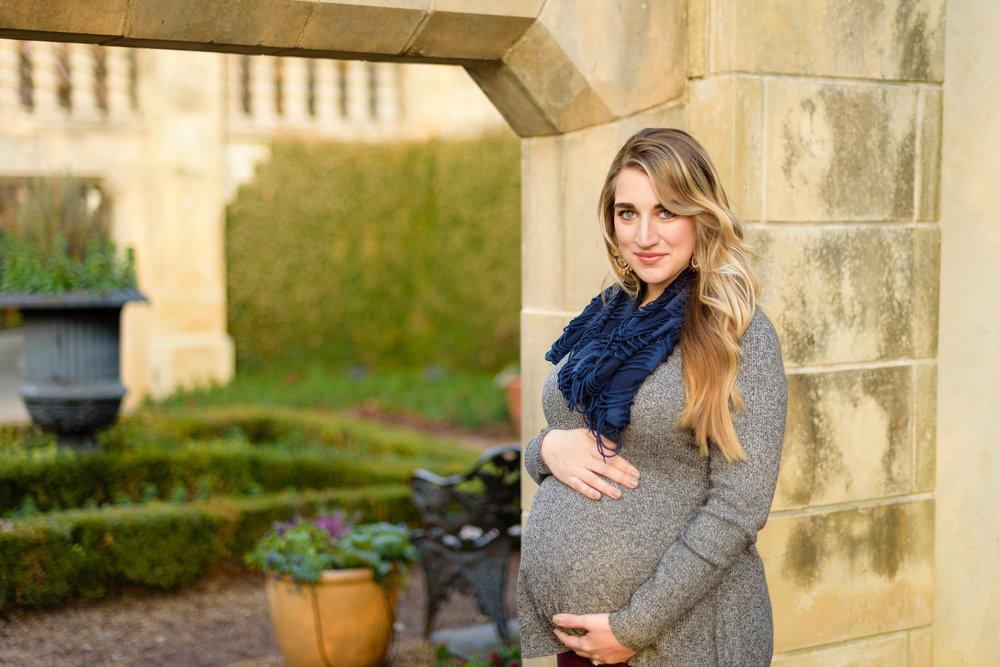 winter-dallas-arboretum-maternity-couple-photo-session-blog-7.jpg