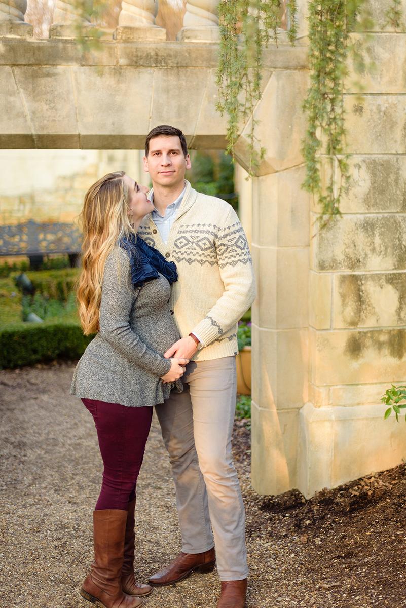 winter-dallas-arboretum-maternity-couple-photo-session-blog-10.jpg