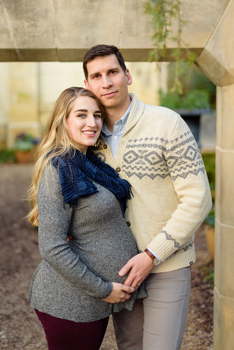 winter-dallas-arboretum-maternity-couple-photo-session-blog-11.jpg