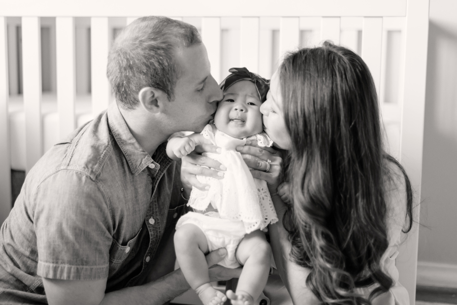 newborn-family-lifestyle-photo-portrait-session-dallas-texas-allen-plano-richardson-frisco-mckinney-addison-13-2.jpg