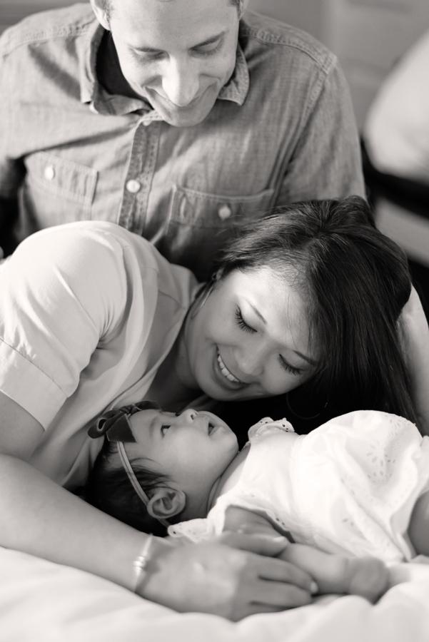 newborn-family-lifestyle-photo-portrait-session-dallas-texas-allen-plano-richardson-frisco-mckinney-addison-28.jpg