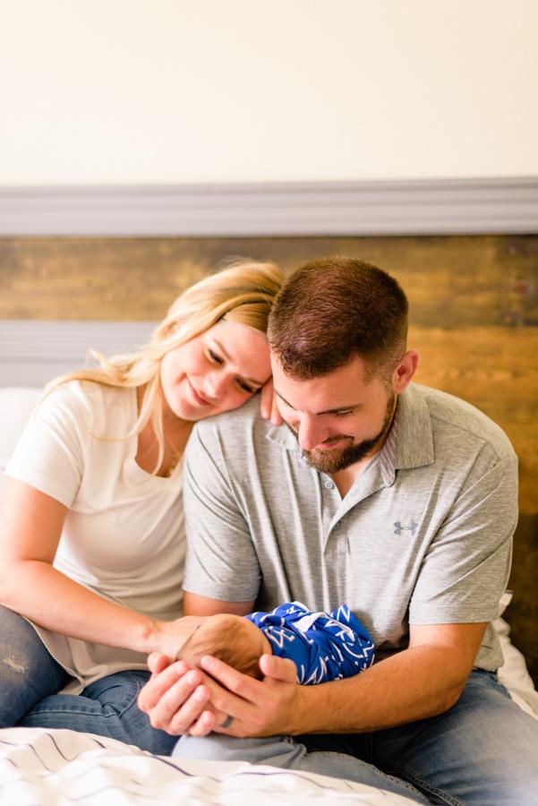 dallas-texas-newborn-and-family-lifestyle-portrait-session-north-dallas-dfw-allen-plano-richardson-frisco-mckinney-sasche-addison-web-12.jpg