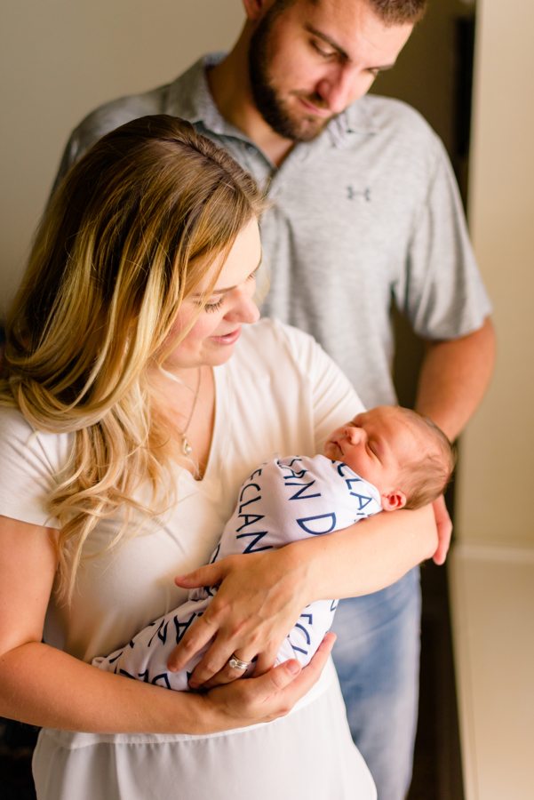 dallas-texas-newborn-and-family-lifestyle-portrait-session-north-dallas-dfw-allen-plano-richardson-frisco-mckinney-sasche-addison-web-3.jpg