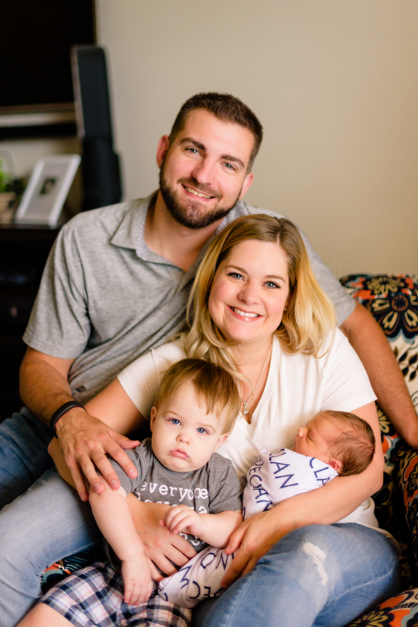 dallas-texas-newborn-and-family-lifestyle-portrait-session-north-dallas-dfw-allen-plano-richardson-frisco-mckinney-sasche-addison-web-2.jpg