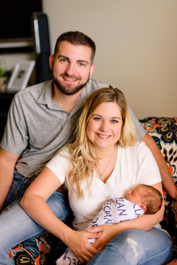 dallas-texas-newborn-and-family-lifestyle-portrait-session-north-dallas-dfw-allen-plano-richardson-frisco-mckinney-sasche-addison-web-1.jpg