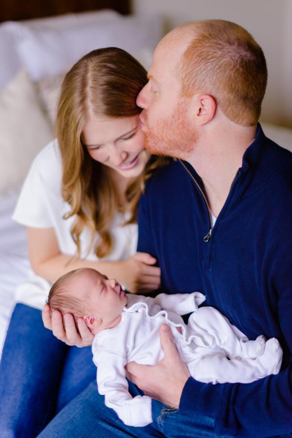 north-dallas-texas-tx-newborn-family-lifestyle-portrait-sesson-in-home-baby-photography-maternity-dfw-richardson-plano-allen-mckinney-addison-celina-murphy-wylie-frisco-6.jpg