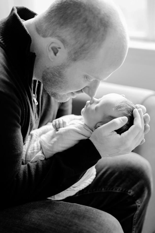 north-dallas-texas-tx-newborn-family-lifestyle-portrait-sesson-in-home-baby-photography-maternity-dfw-richardson-plano-allen-mckinney-addison-celina-murphy-wylie-frisco-27-2.jpg