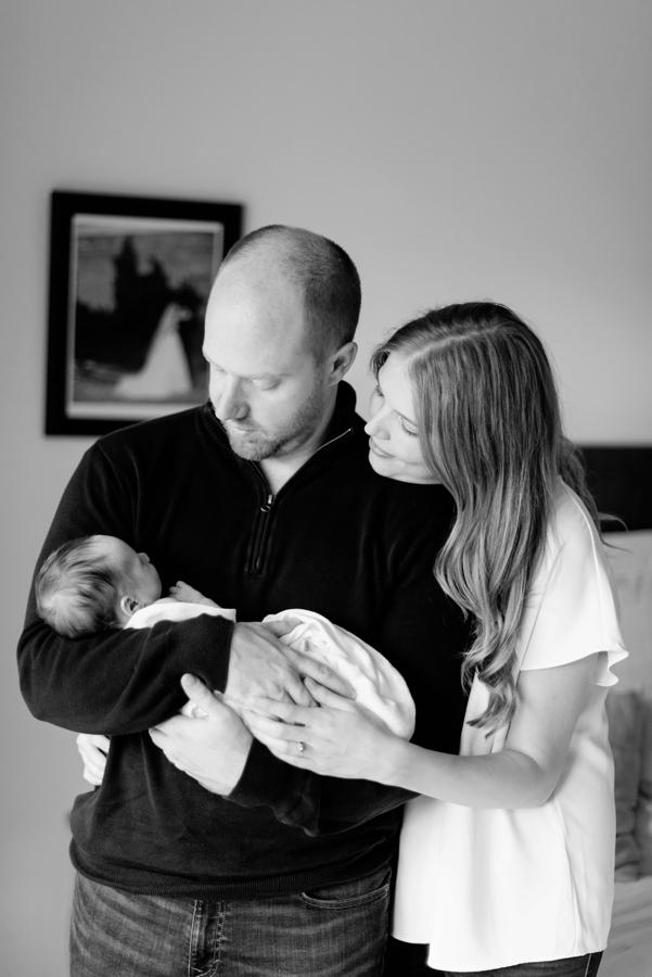 north-dallas-texas-tx-newborn-family-lifestyle-portrait-sesson-in-home-baby-photography-maternity-dfw-richardson-plano-allen-mckinney-addison-celina-murphy-wylie-frisco-31-2.jpg