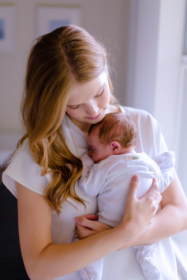 north-dallas-texas-tx-newborn-family-lifestyle-portrait-sesson-in-home-baby-photography-maternity-dfw-richardson-plano-allen-mckinney-addison-celina-murphy-wylie-frisco-12.jpg