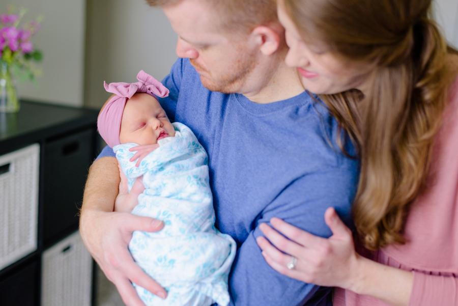 newborn-family-lifestyle-portrait-session-in-home-north-dallas-texas-richardson-plano-wylie-allen-frisco-mckinney-addison-dfw-celina-tx-maternity-newborn-photographer-18.jpg
