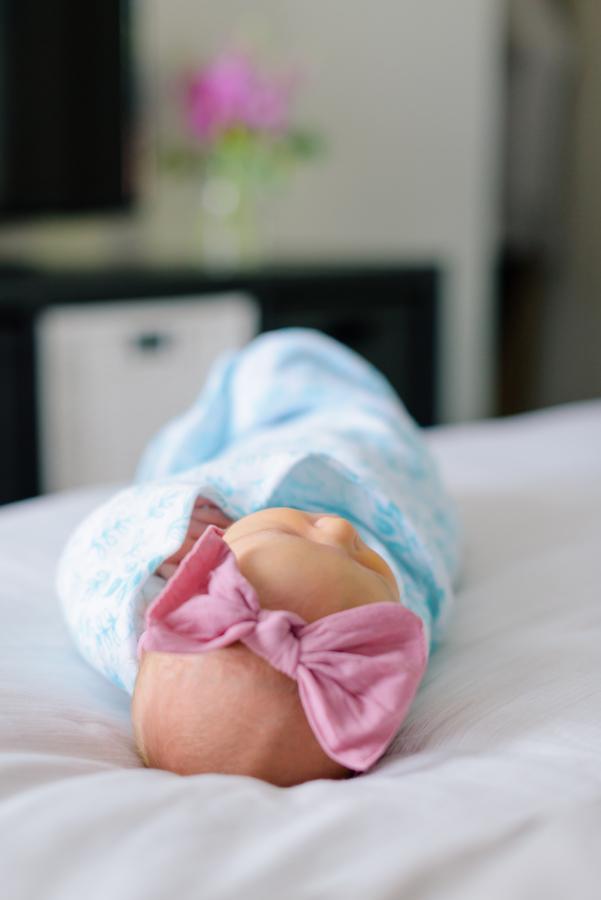 newborn-family-lifestyle-portrait-session-in-home-north-dallas-texas-richardson-plano-wylie-allen-frisco-mckinney-addison-dfw-celina-tx-maternity-newborn-photographer-27.jpg