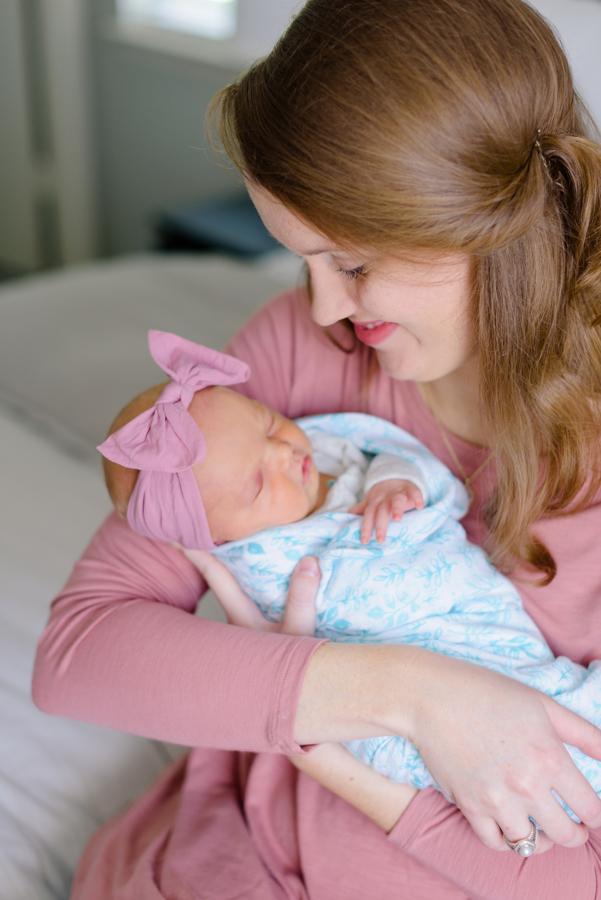 newborn-family-lifestyle-portrait-session-in-home-north-dallas-texas-richardson-plano-wylie-allen-frisco-mckinney-addison-dfw-celina-tx-maternity-newborn-photographer-25.jpg