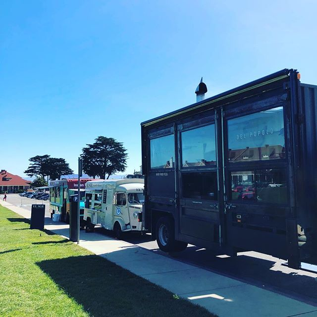 @pizzadelpopolo you make us feel so small!! Find us at #presidiopicnic today, it's gorgeous out! 11am-4pm #elsursf #empanadasargentinas #churros #dulcedeleche