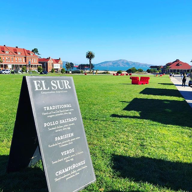 It cannot be a more gorgeous day to come out to the Presidio and enjoy some sun, good food and drinks! Join us until 4pm, we have lots of empanadas and churros filled with dulce de leche!