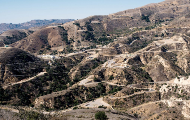 The Aliso Canyon gas storage facility above the Porter Ranch section of Los Angeles, the site of a major gas leak in 2015. COLEY BROWN FOR THE NEW YORK TIMES