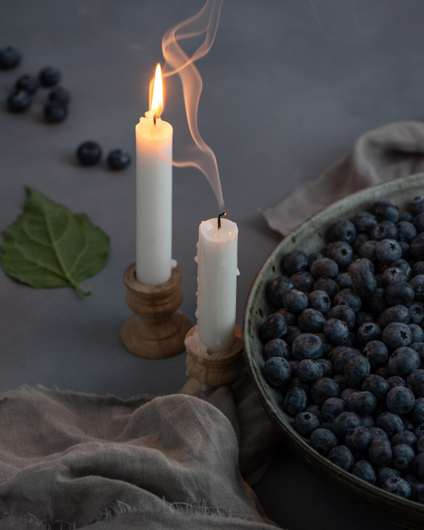 Blueberries-candle-light-Sunny-Frantz-Photography.jpg