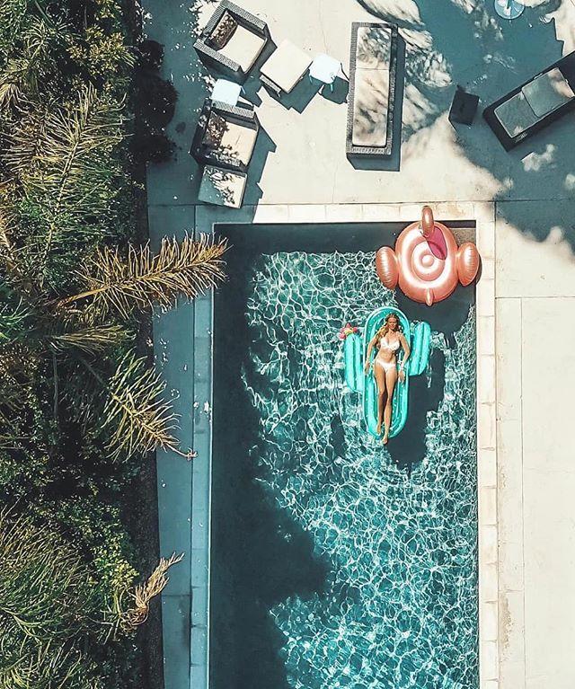 Post weekend feels. Floating on water (or cactus) 🌵☀️ 📷@pilotmadeleine #pokedau