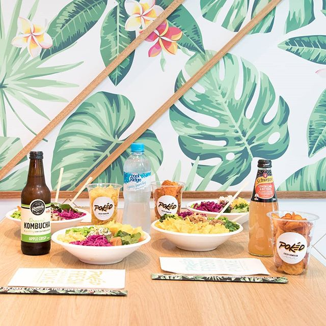 That's one fresh Pokéd spread. 😛 We only provide you with fresh and locally sourced ingredients to make up your poke bowl. Plus our Southern Cross Lane store brings out the tropical vibes within Melbourne's CBD. 🌴 #pokedau