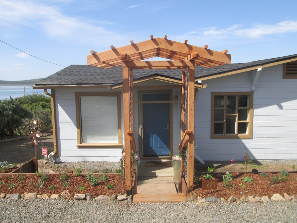 Sustainable-Construction-Pergola.JPG