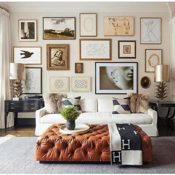 LIVING ROOM GALLERY WALL | collectibles | via  Ashley Stark