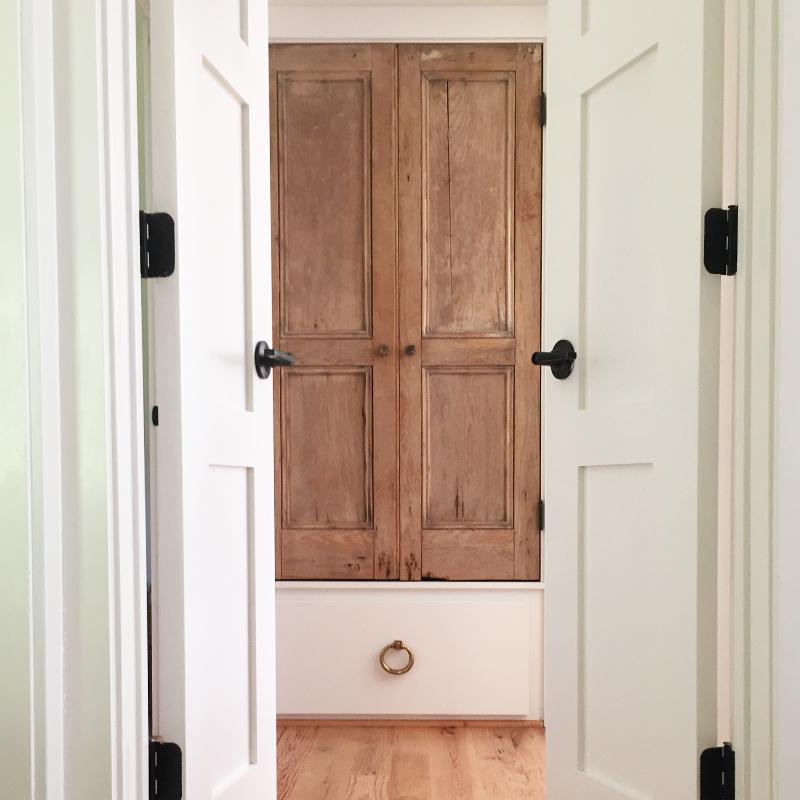 ChouxDesigns_reclaimeddoors_modernfarmhouse.jpg