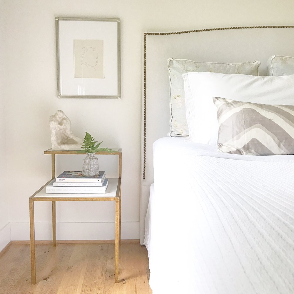 ChouxDesigns_ModernFarmhouse_VintageWhiteMasterBedroom.JPG