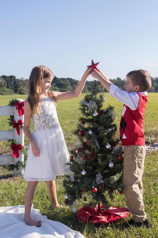 11-19-16_MorrisonFamily_Christmas-67.jpg