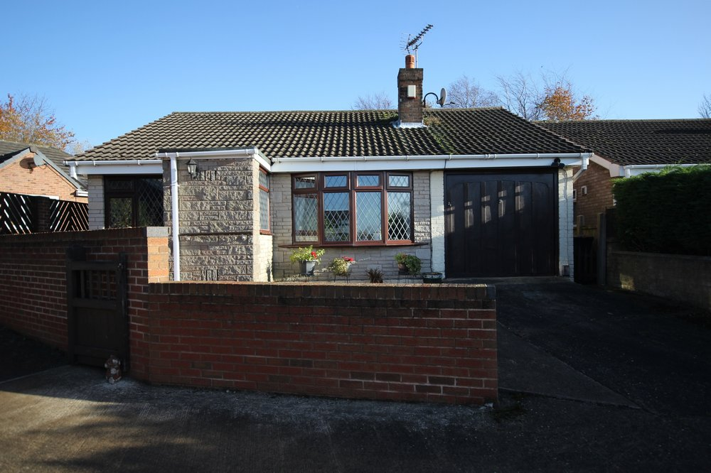 IT'S GONE! - £159,995 Alberta Avenue, Selston, Nottinghamshire, NG16 6GN - 2 BEDROOM DETACHED BUNGALOWThis great sized bungalow offers a spacious through lounge, kitchen with utility, bathroom and two double bedrooms, plus a lovely private garden and ample parking to the front, all located in a desirable and peaceful spot in Selston. EPC rating D.