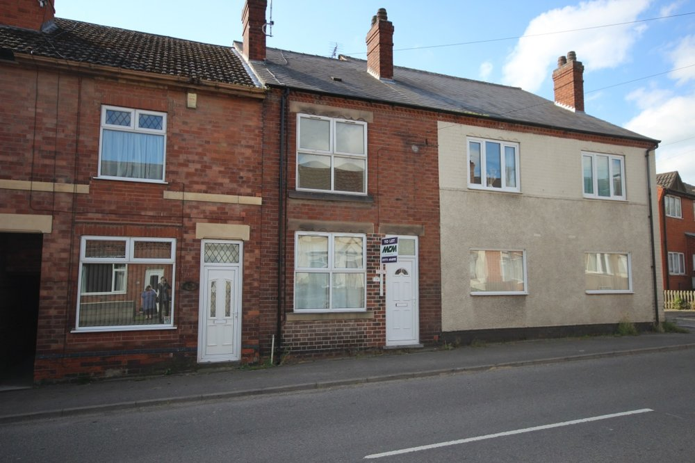 £79,950 Main Road, Pye Bridge, Alfreton, Derbsyhire, DE55 4NY - 2 BEDROOM TERRACEModernised and with two receptions, first floor family bathroom and easy access to countryside walks, this property is a must see. Ideal buy to let or first time home. EPC rating C